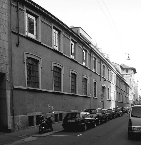 Lo stabilimento Centernari Zinelli di via Lomazzo prima della demolizione