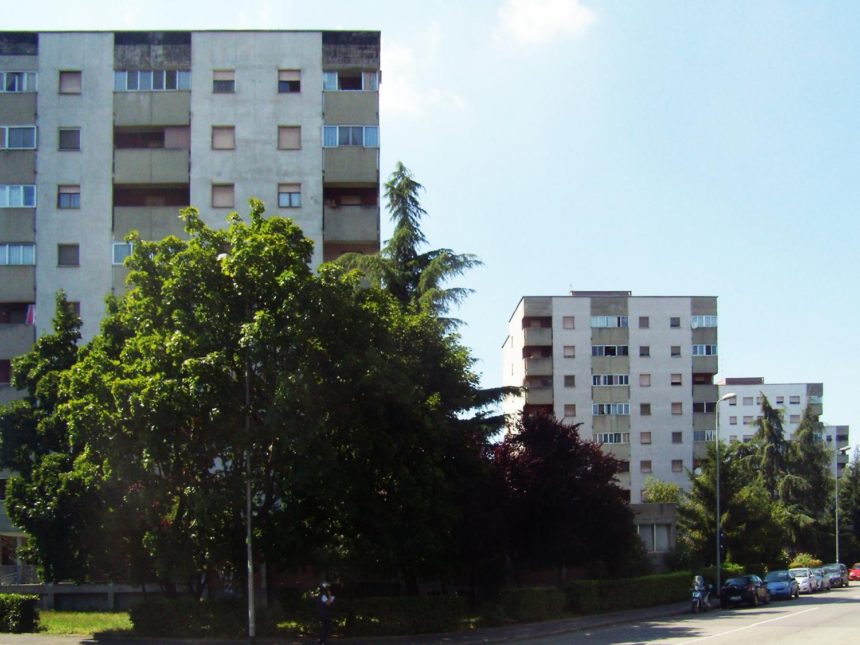 Complesso residenziale ALER, via Russoli, Milano, luglio 2014