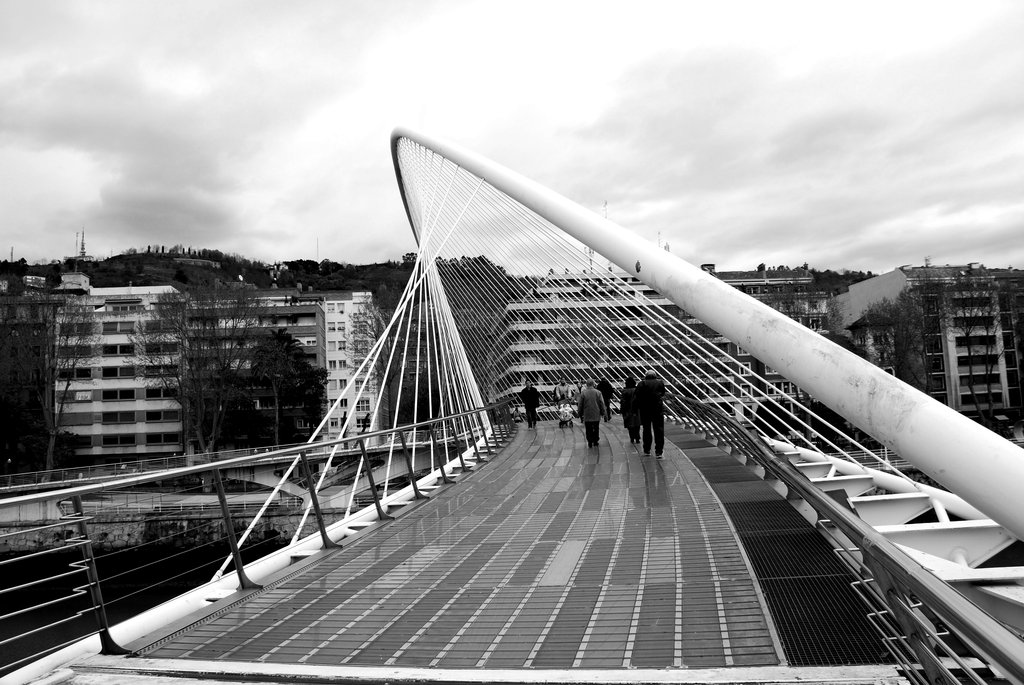 Calatrava__s_Bilbao_Bridge_by_nikon_joker